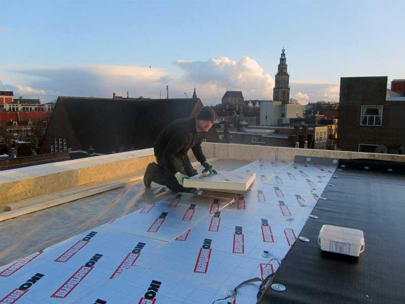 dakisolatie aanbrengen op plat dak door dakdekker groningen